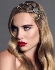 Retrato de modelo con tocado joya Monic